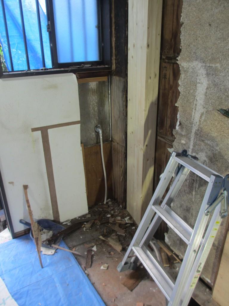 キッチンを解体したところです